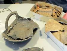 Veldhovense prehistorische scherven naar Eicha Museum