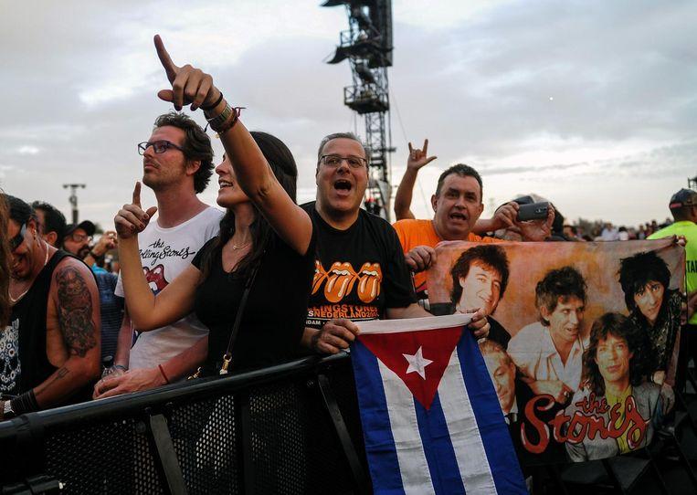 Cubaanse fans van The Rolling Stones tijdens het gratis concert in Havana Beeld ANP