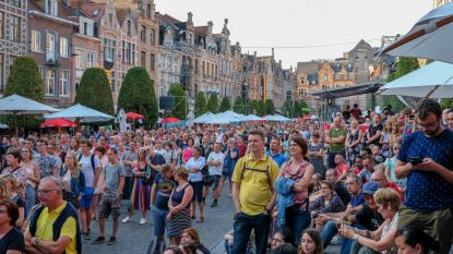 Tom Helsen pakt Oude Markt in op Beleuvenissen