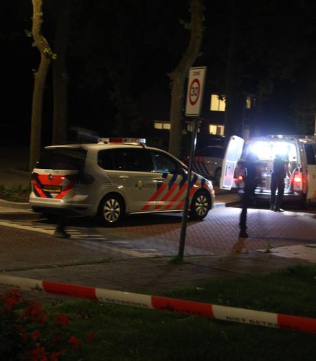Grote politieactie met kogelwerende vesten in Ens eindigt in arrestatie
