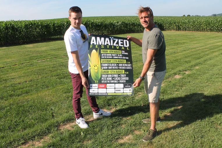 Lennert Rampelberg en Thomas Taks van Blits Events stellen hun affiche voor.