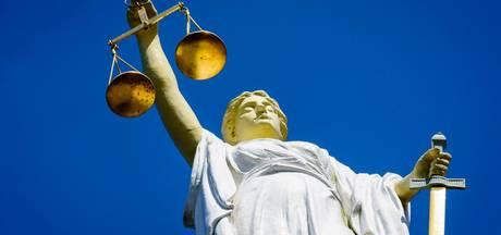 Duivense dakdekker hoort celstraf eisen voor oplichten bejaarden