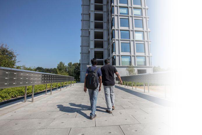 Buitenlandse studenten bij studentenflat AUrora op TUe terrein Eindhoven
