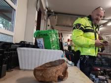 Gemist? Menselijke schedel gevonden bij kringloop Twello en bezoekers Walibi vast in achtbaan