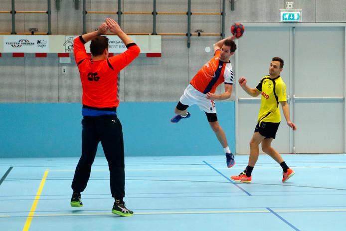 Sportverenigingen, zoals de handballers van Apollo, krijgen voortaan een bedrag per lid in plaats van een bedrag per jeugdlid.