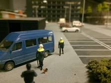 Piepkleine politiepup Bumper steelt ook de show in Miniworld