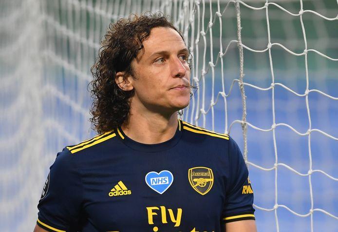 David Luiz blaast de aftocht.