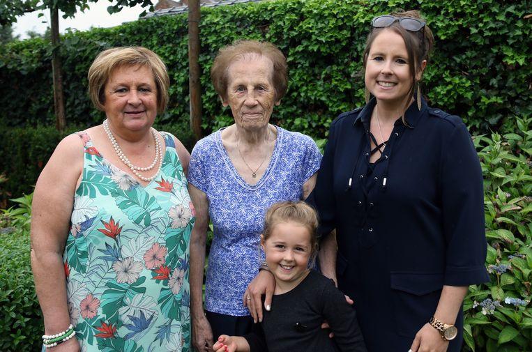 Gerda Van Eyndhoven, Maria Thuys, Ellen Hendrickx en Brit Pauwels.