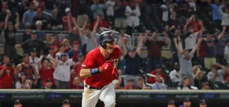 Schoop (Twins) verslaat Bogaerts (Red Sox) na duel van bijna zes uur