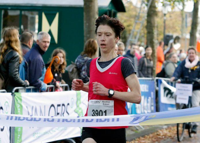 Etten-Leur : zondag 29 oktober 2017    Marathon Brabant       foto : Gerard van Offeren Paddy Herijgers wint de halve marathon bij de vrouwen