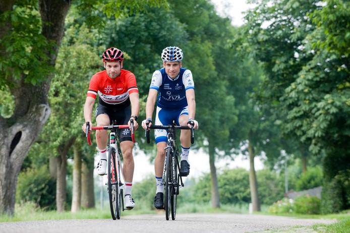 Eddy van IJzendoorn (links)  kan niet meedoen aan NK Eliminator.