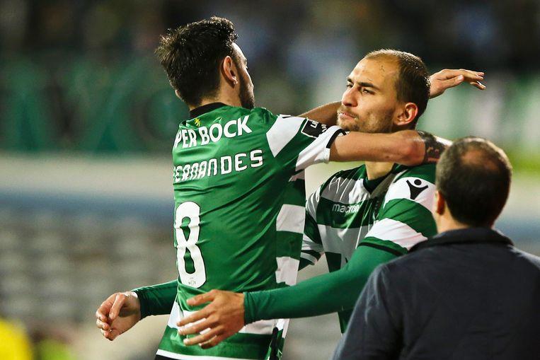 Bas Dost (rechts) in het shirt van Sporting Lissabon.