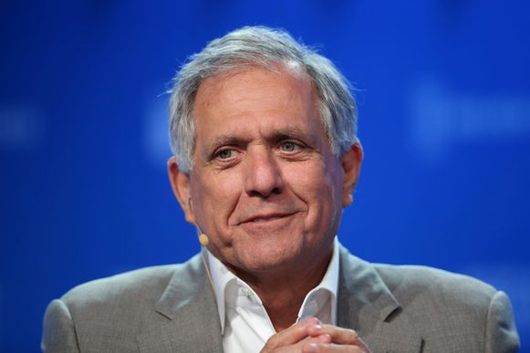 Leslie Moonves, de topman van televisienetwerk CBS, is per direct uit zijn functie ontheven. Zijn vertrek volgt op nieuwe onthullingen van het tijdschrift The New Yorker over seksueel wangedrag.