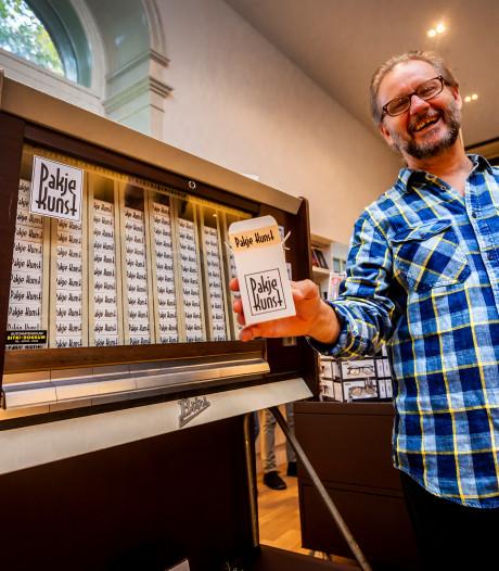 Geen sigaretten maar een Pakje Kunst uit de automaat bij het Dordrechts Museum