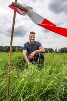 Mysterie: Wat doen die stokjes in weiland van Deventer boer?
