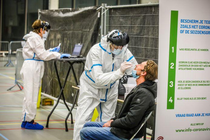 Brugge opent een nieuw testcentrum. Dit is eentje voor mensen met bijna geen symptomen.