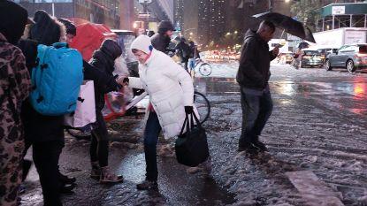 Eerste laagje sneeuw legt verkeer New York lam: schoolbussen doen er uren over om leerlingen thuis te krijgen