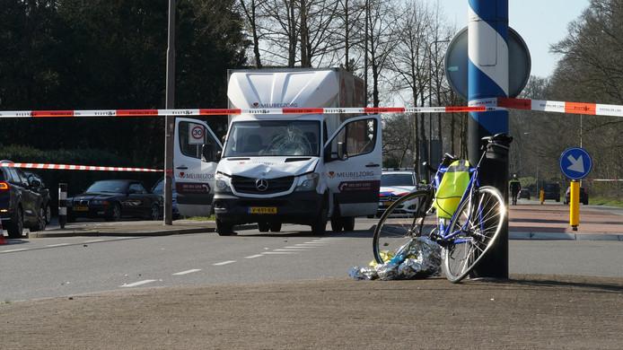 Een wielrenner raakte gewond bij de aanrijding met een busje in Warnsveld