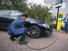Slim banden oppompen in Wageningen om brandstof te besparen