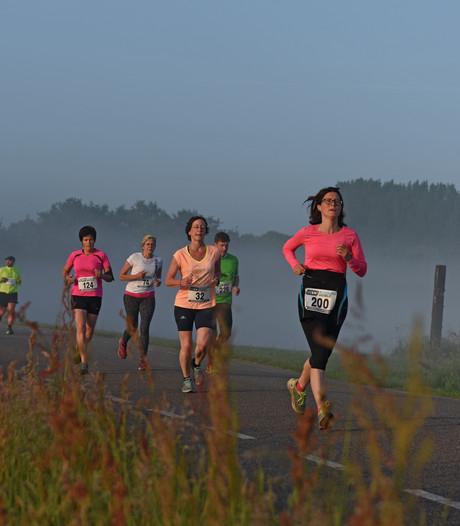 Recordaantal deelnemers bij dauwrennen in Den Hout: 610 renners