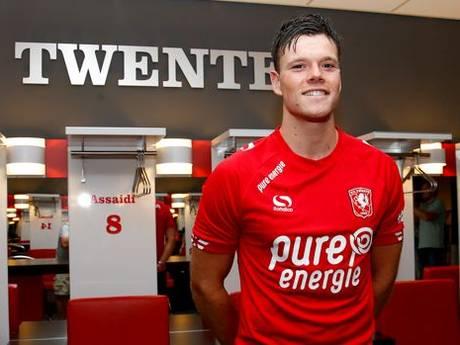 FC Twente presenteert 'echte spits' Boere: 'Voetbal dat club wil spelen spreekt mij aan'