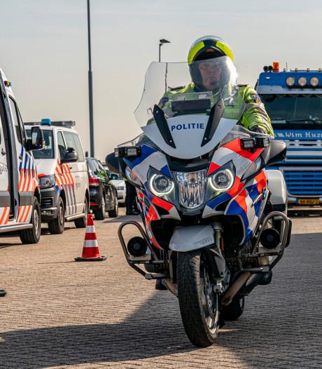 Grote controle van politie en douane in Moerdijk