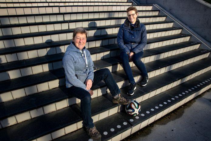 Mariëtte van Hooff (links) en Petra van Gerven hebben de Stichting Van Waarde opgericht.