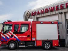 Brandweer blust brandende kliko's in Axel