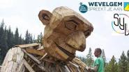 Wevelgemnaren maken samen houten 'golem'  tijdens Bockor Rock