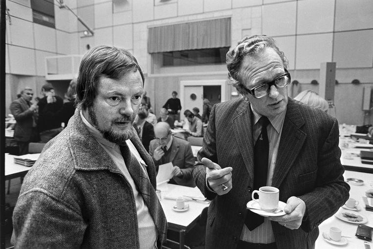 Jan Nagel bij de VARAals voorzitter van de OR (hier met Jos van Kemenade), 1979. Beeld Hollandse Hoogte / Bert Verhoeff