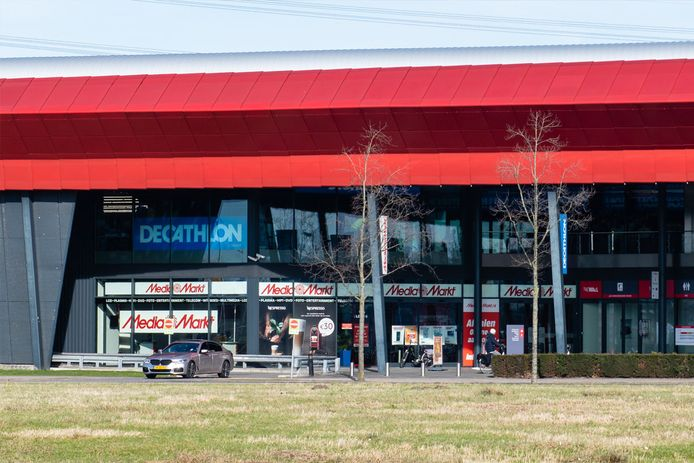 MediaMarkt blijft langer in The Wall in Utrecht.