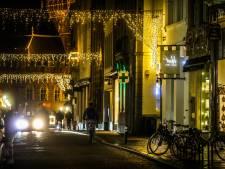 """Brugge laat feestverlichting in binnenstad en aan Vesten langer hangen: """"Extra sfeer in moeilijke tijden"""""""