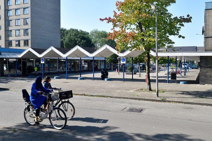 Het Operaplein in Schuilenburg werd in de jaren 70 van de vorige eeuw gebouwd, en is sindsdien flink verloederd.