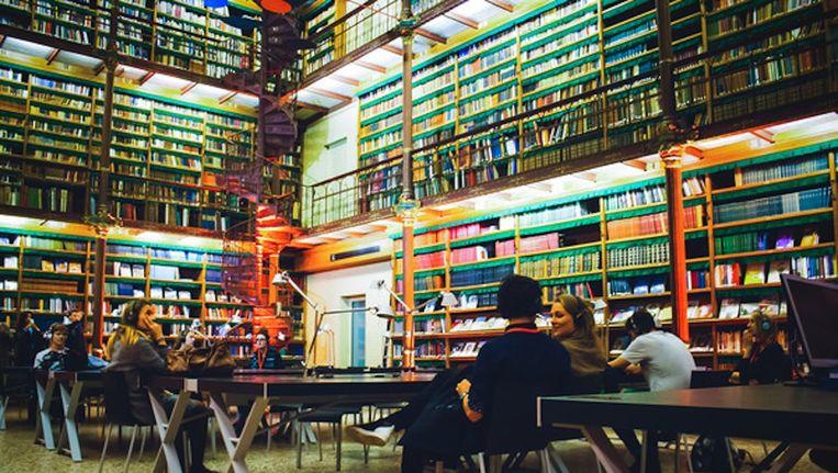 De bibliotheek van het Rijksmuseum tijdens Museumnacht vorig jaar. Beeld De Fotomeisjes