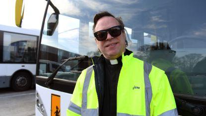 Van het klooster naar De Lijn: monnik neemt sabbatjaar en gaat op technische dienst busmaatschappij werken