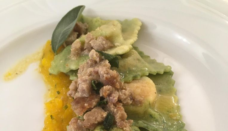 Ravioli met pompoen en varkensworst. Beeld Mac van Dinther