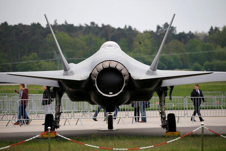 De uitlaat van een F-35 - die als het aan Defensie ligt gaat concurreren met de racewagens in het Peeldorp.  Beeld REUTERS