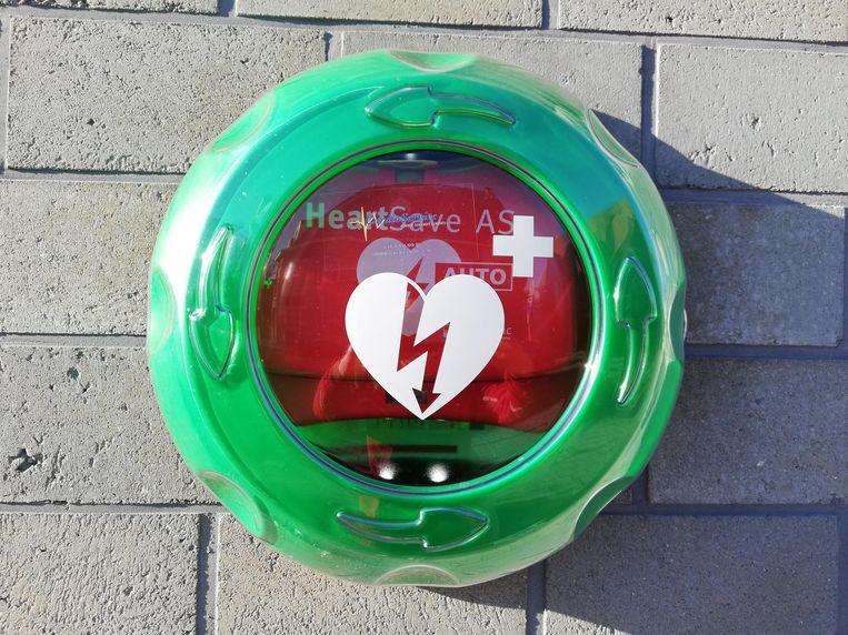 Een voorbeeld van een AED-toestel, oftewel een Automatische Externe Defibrillator.