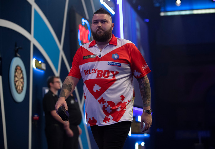 Michael Smith druipt af in 'Ally Pally'.