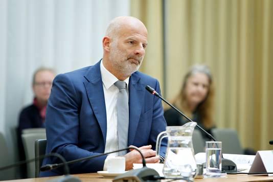 Wethouder Ronald Schneider wordt verhoord door de enquêtecommissie.