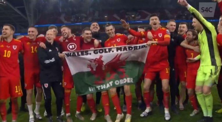 Gareth Bale zag de lol van de vlag wel in.