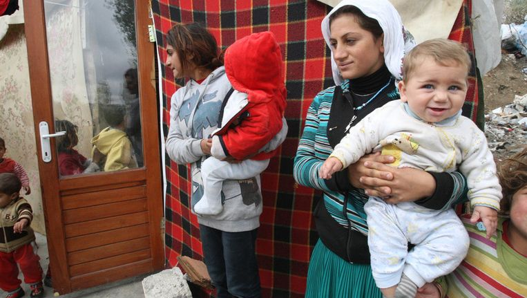 Syrische vrouwen met kinderen. De polio-slachtoffers zijn jonge kinderen. Beeld afp