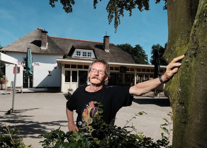 Anhangerschap-voorzitter Henk Kelder bij De Tol, voor het Høkersweekend 2016.