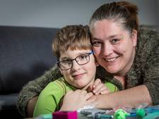 Moeder roept om hulp: 'Ik kan soms mijn autistische zoontje niet meer aan'