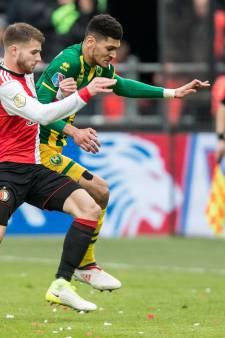 Shirts benefietwedstrijd Feyenoord geveild voor goed doel