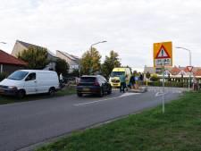 Fietser op E-bike aangereden door bestelbus in Boxmeer