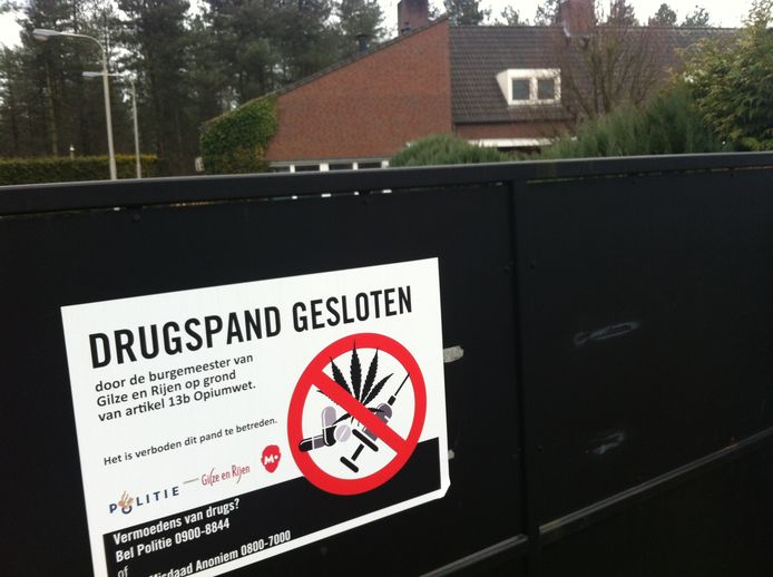 Een op last van de gemeente gesloten 'drugspand' in de gemeente Gilze en Rijen. foto palko peeters Drugspand