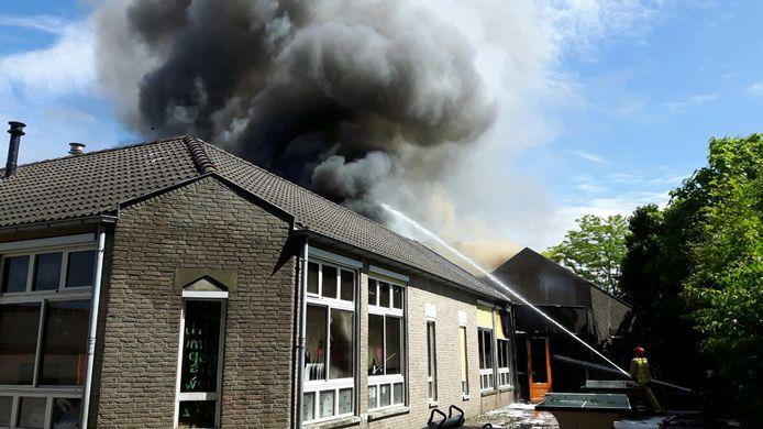 Brand bij basisschool Onder de Wieken in Eindhoven.