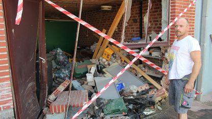 Garage binnen op twee meter van man