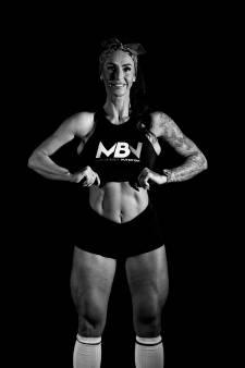 Tielse Annemiek doet alles voor grote benen en billen: 'Ik sta om 04.00 uur op en sport drie keer per dag'
